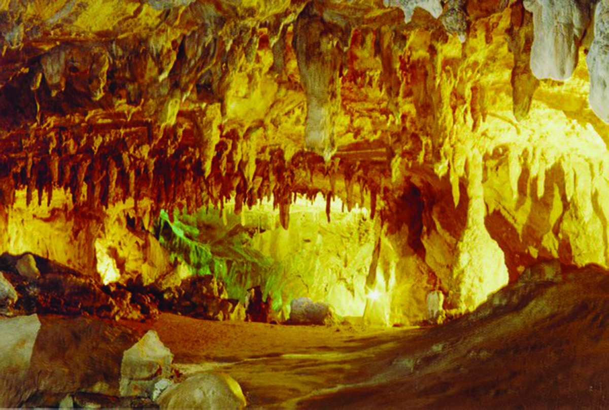 La Grotte de Lombrives