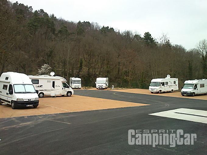 Aire du pr morand aire municipale prs de clermont - Salon du camping car clermont ferrand ...